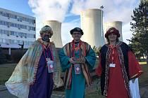 Tři králové z Oblastní charity Třebíč – zleva – Petr Jašek, ředitel OBCHT, Jaroslav Žák, zástupce ředitele, Markéta Novotná, pracovnice rané péče OBCHT.