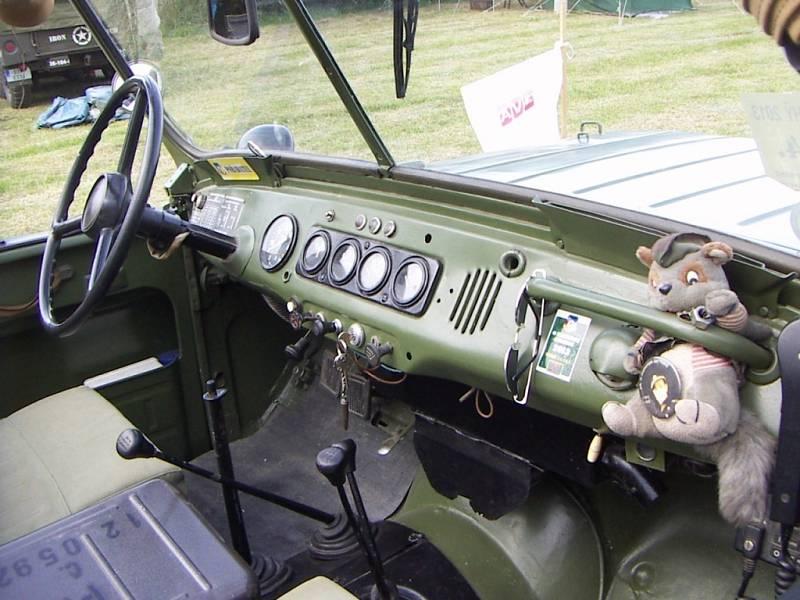Lucky UAZ byl vyroben v roce 1973, tedy asi rok po zahájení jeho výroby. Na sobě nese znaky ruského vzdušného výsadkového vojska.