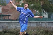 Náměšťský kanonýr Petr Kučera zaznamenal v derby proti Hartvíkovicím hattrick.