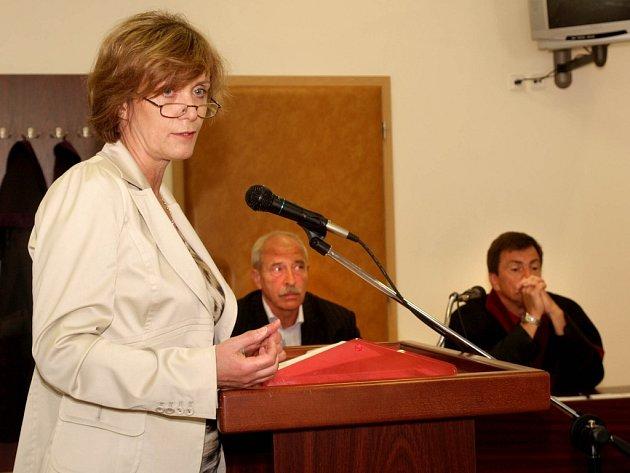 Líčení v případu potyčky místostarosty Miloše Maška a Vlastimila Ondráka dnes začalo výslechem svědků.