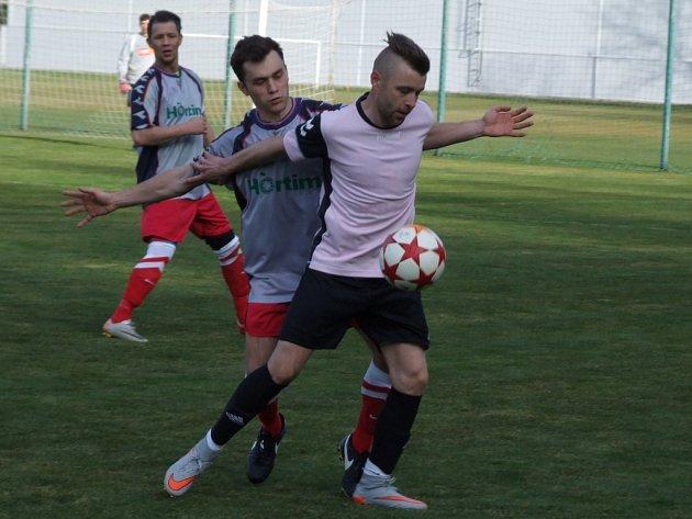 Čáslavice (u míče Roman Durajka) a Náměšť skončily na posledních dvou místech a z I. A třídou se loučí.