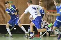 Snipeři (v modrém) věnují výtěžek z dobrovolného vstupného na utkání proti Havlíčkově Brodu na konto nemocné Leušky Mácové.