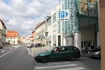 Parkoviště u bývalé Delvity a posléze Billy v Třebíči.