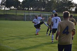 Fotbalisté Želetavy (v tmavších dresech) porazili Dukovany.