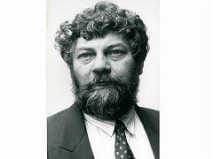 Na ustavujícím zastupitelstvu 3. prosince byl starostou zvolen Pavel Heřman.