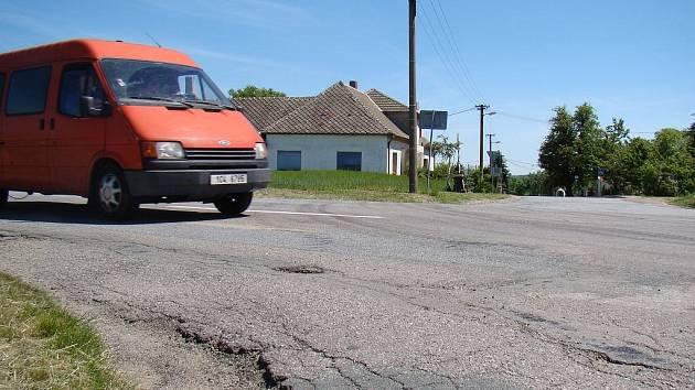 ŘSD začne v pondělí opravovat další úsek silnice I/23. Křižovatka u Veverky by měla zůstat průjezdná.