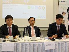 Zástupci korejské společností KHNP na jednání v Třebíči.