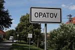 V Opatově i v Předíně lidé musí už několik týdnů pro vodu do náhradní cisterny.