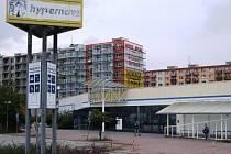 Opuštěná budova Hypernovy.