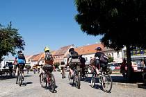 PŘIJÍŽDĚJÍ. Teplé počasí napomáhá přílivu turistů na Třebíčsko.