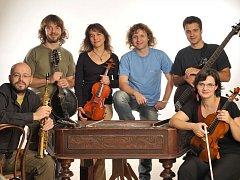 Brněnská nadžánrová kapela Cimbal Classic zahájí letošní Náměšťfest. Skupina patří déle než dvacet let mezi stálice české folkové a alternativní scény.