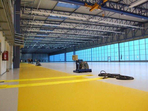 Nový hangár  na náměšťské základně.