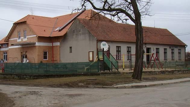 Nový kulturní dům v Ocmanicích