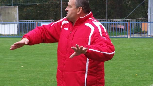 Výkonný ředitel HFK Třebíč Pavel Němec otevřeně přiznal, že klub má vůči hráčům závazky, které ale postupně splácí.