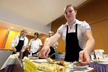 Již desátý ročník celostátní soutěže v dekorativním vyřezávání ovoce a zeleniny s názvem Junior show proběhl ve čtvrtek v Třebíči.