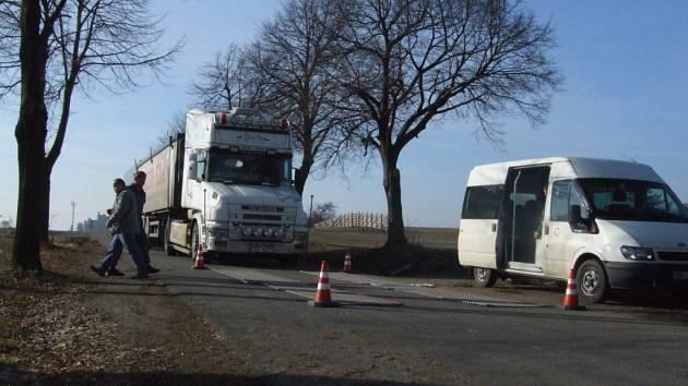Vážení kamionů u Trnavy.