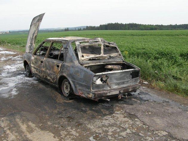 Ohořelé auto
