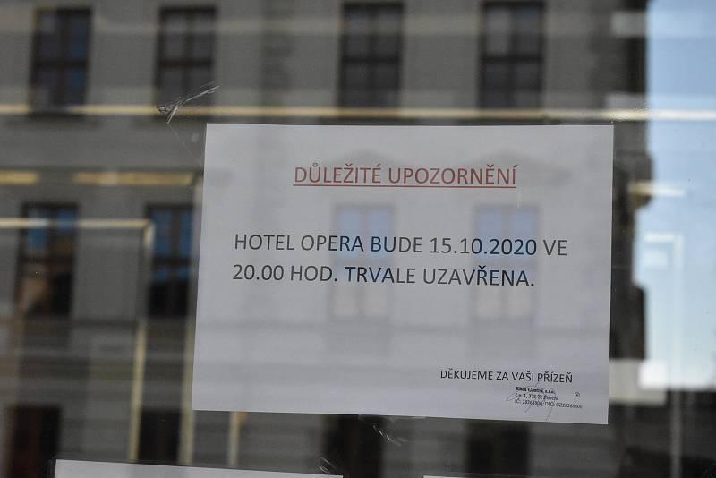 Hotel Opera v Jaroměřicích nad Rokytnou je od října zavřený. Majitelé chtějí objekt prodat.