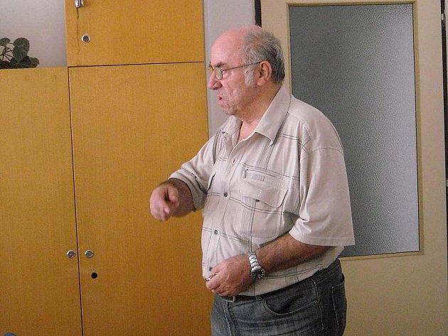 Neslyšící lidé jsou pořád sami, posteskl si Oldřich Čenkovic.