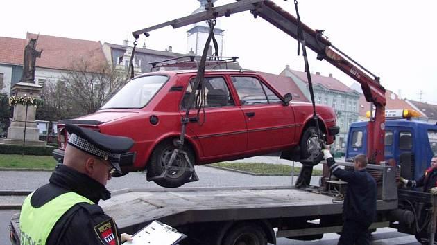 I tento vůz skončí v hale v Hrotovické ulici.