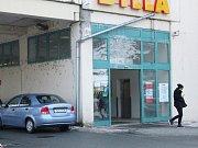 Třebíčský bezdomovec byl na základě řady předložených důkazů shledán vinným a odsouzen za trestný čin vraždy k 18 letům vězení ve věznici se zvýšeným dozorem.