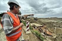 Několikahektarové území bude do jara příštího roku upraveno a osázeno zelení.