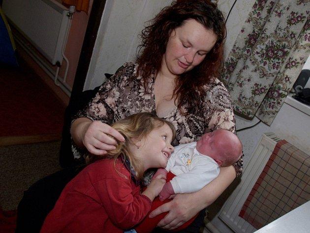 Aleš Mjezlík s maminkou a sestrou Karolínou.
