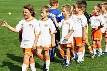 Každý je respektovaný spolutvůrce, má-li sám respekt k druhým. Ve Fotbalové škole v Třebíči učí děti vyjadřovat svobodně své názory, dávat si cíle a úkoly a vyhodnocovat míru jejich splnění, učit se bez zbytečného stresu a zároveň respektovat ostatní.