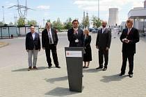 Brífink po zasedání hospodářského výboru sněmovny v Jaderné elektrárně Dukovany. Nový předseda výboru Martin Kolovratník (ANO 2011) druhý zprava.