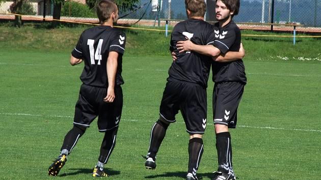 Studenec poprvé skóroval v nové sezoně až po dlouhých 290 minutách. Stalo se tak ve 4. kole okresního přeboru proti Opatovu, který vyprovodil pěti góly.
