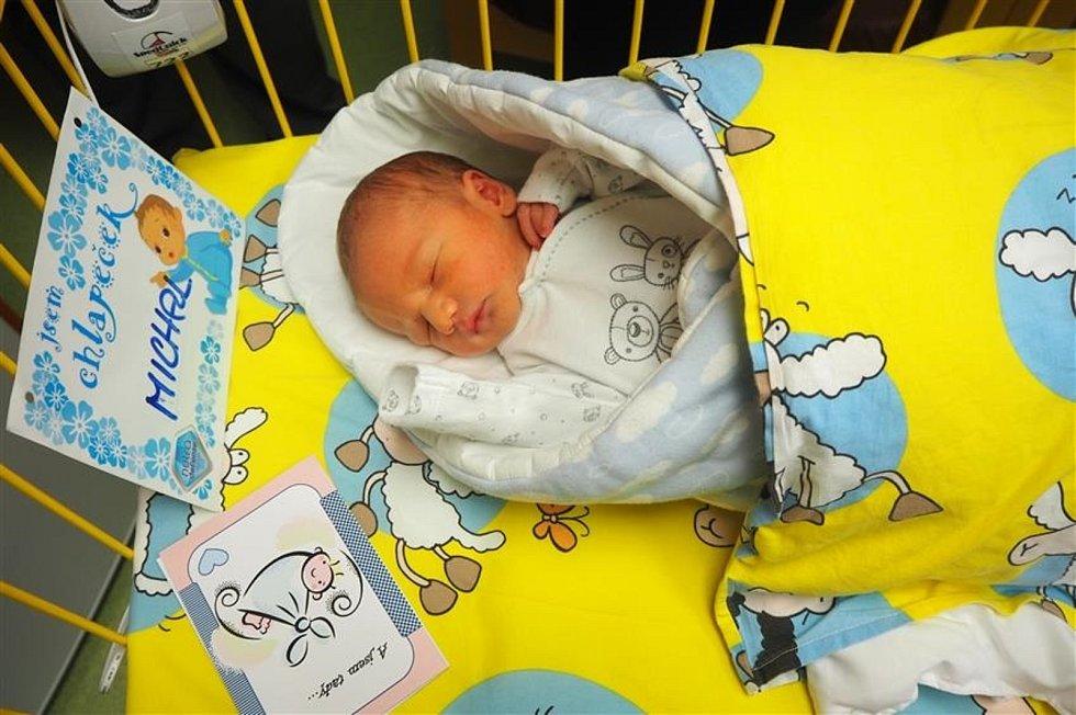 Chlapeček se narodil v sobotu druhého ledna.
