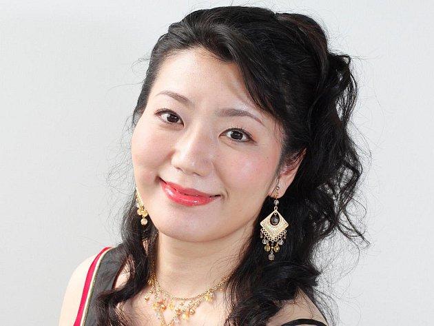 Mezzosopranistka Miki Isochi.
