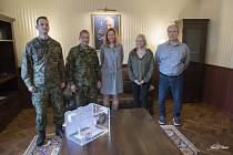 Kasička Nadace pro transplantace kostní dřeně je součástí vojenského cvičení Dark Blade 2019 na letecké základně u Náměště nad Oslavou.