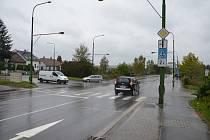 Rušnou křižovatku na okraji průmyslové zóny začnou řídit semafory.