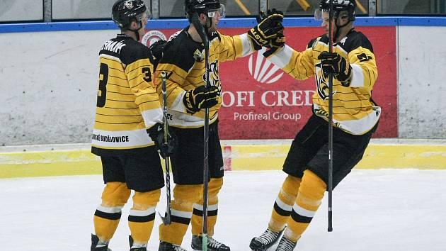 Hokejisté Moravských Budějovic si závěr základní části II. ligy užili. Pelhřimovu nastříleli dvanáct branek.