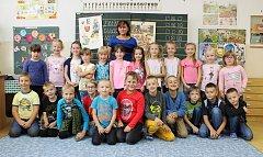 Na fotografii jsou žáci ze ZŠ Kpt. Jaroše v Třebíči, třída 1. B paní učitelky Jindry Valentové