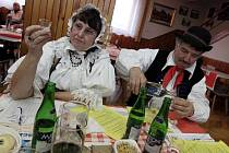 Košt slivovice a pálenky v Loukovicích