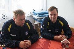 O myslibořické účasti v projektu Kopeme za fotbal si povídali Tomáš Palát (vlevo) a Martin Čapoun.