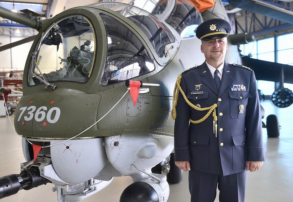 Vojenská letecká základna u Náměště má nového velitele. Stal se jím 1. července Rudolf Straka.