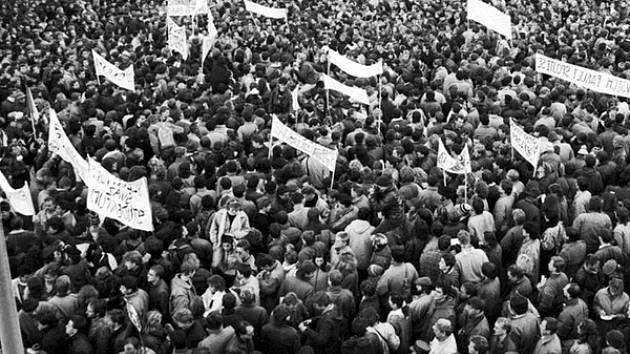 Sametová revoluce na půdě. Třebíč si připomene 30 let od listopadu 1989