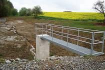 Pár kroků od pramene, který vyvěrá údajně zázračně léčivou vodu, nechali obecní zastupitelé opravit vodní nádrž v Dobré Vodě na Jemnicku.
