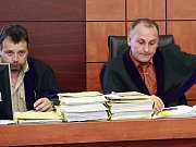 Budišovská kauza.Soud byl zahájen v budově třebíčského soudu v 10. hodin za velkého zájmu novinářů.