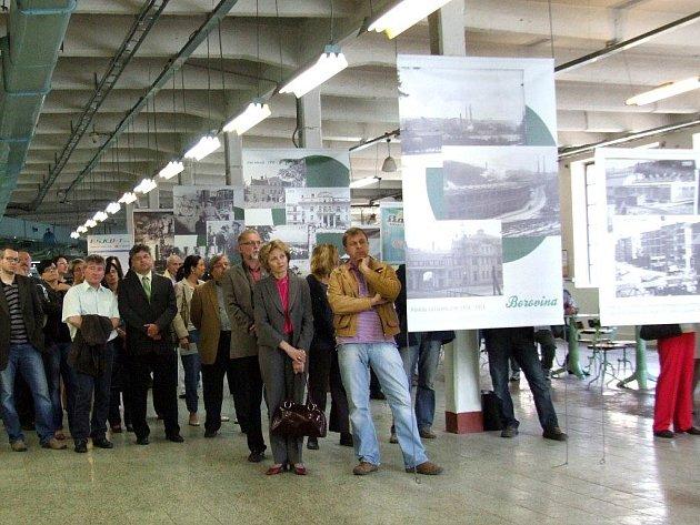 V bývalé třebíčské továrně Bopo začala výstava připomínající slavnou tradici výroby obuvi, která kdysi dávala práci i 5000 lidí.