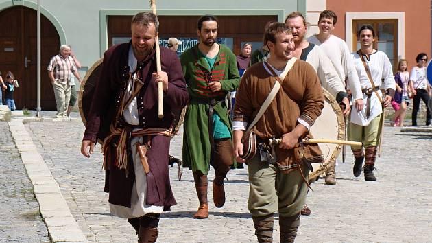 Jemnice se vrátila do středověku. Historická bitva.