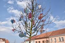 Stromy vykvetly díky velikonočním dekoracím od dětí z mateřských školek.