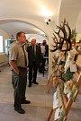 Ze zahájení výstavy trofejí v Moravských Budějovicích.