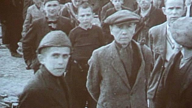 Antonín Kalina (vpravo nahoře)