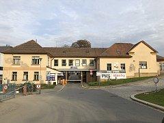 Budova bývalého ředitelství a vrátnice třebíčské nemocnice.