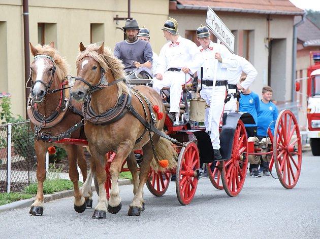 OBRAZEM: Hasiči z Valče slavili 120 let ve velkém stylu