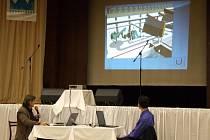 Na slavnostní konferenci k ukončení projektu představil Miloš Kokeš některé další projekty svazku.